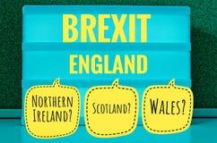 Unterzeichnen Sie mit heller Aufschrift auf Deutsch Brexit, England, Nordirland, Wales und Schottland auf Englisch Nordirland, Sc stockfoto
