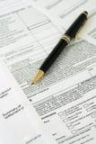Unterzeichnung-Vertikale des Kreditnehmers Stockfotos