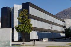 Unversity-Gebäude von USI, Universita-della Svizzera-italiana, in Lugano, die Schweiz Stockbilder