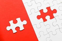 Unvollständiges Puzzlespiel mit fehlendem Stück Lizenzfreies Stockbild
