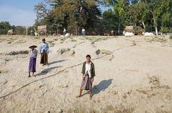 Uomini birmani Myanmar immagine stock