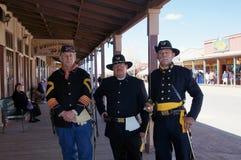 Uomini che ritraggono la cavalleria degli Stati Uniti Immagine Stock Libera da Diritti