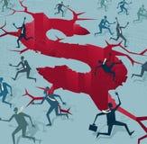Uomini d'affari astratti allontanati da un disastro finanziario Immagine Stock