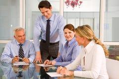 Uomini d'affari e donne di affari Immagini Stock