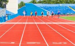 Uomini della corsa degli atleti fotografie stock