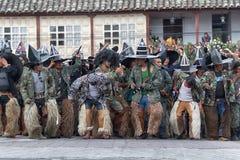 uomini di kichwa che battono i piedi sulla via al solstizio di estate Fotografia Stock Libera da Diritti