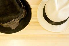 Uomini e cappelli delle donne Fotografia Stock Libera da Diritti