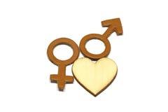 Uomini e femmina con il simbolo astratto di amore fatto di cuoio isolato su fondo bianco Fotografie Stock