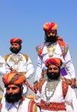 Uomini indiani in vestito tradizionale che partecipano al competi di sig. Desert immagine stock libera da diritti