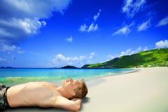 Uomini sulla spiaggia fotografie stock libere da diritti