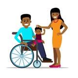 Uomo africano disabile in sedia a rotelle con la sua famiglia Immagine Stock Libera da Diritti