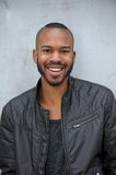 Uomo afroamericano con l'espressione felice sul fronte Fotografia Stock Libera da Diritti