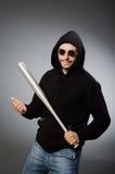 Uomo aggressivo con il pipistrello basebal fotografia stock libera da diritti