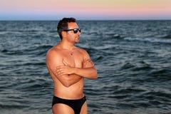 Uomo al tramonto Immagini Stock Libere da Diritti
