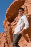 Uomo alla moda bello fotografia stock