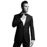 Uomo alla moda bello Fotografie Stock Libere da Diritti