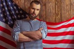 Uomo alla moda con la barba fotografia stock libera da diritti