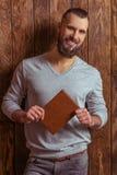 Uomo alla moda con la barba fotografie stock libere da diritti