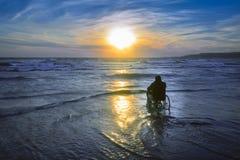 Uomo andicappato in sedia a rotelle Fotografie Stock Libere da Diritti
