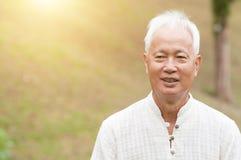 Uomo anziano asiatico fotografia stock