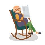 Uomo anziano con i papernews nella sua sedia di oscillazione Immagine Stock