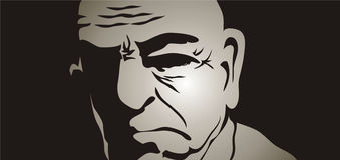 Uomo anziano nelle ombre Fotografia Stock Libera da Diritti