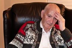 Uomo anziano preoccupato Fotografia Stock