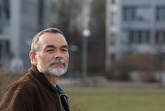 Uomo anziano in rivestimento Immagine Stock Libera da Diritti