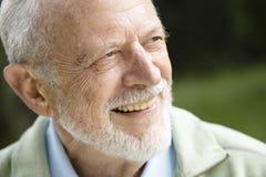 Uomo anziano sorridente fotografie stock libere da diritti
