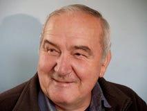 Uomo anziano/sorriso Fotografia Stock Libera da Diritti