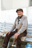 Uomo anziano sul banco Fotografia Stock Libera da Diritti