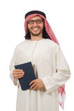 Uomo arabo con il libro isolato su bianco Immagini Stock Libere da Diritti
