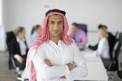 Uomo arabo di affari alla riunione Fotografie Stock Libere da Diritti