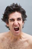 Uomo arrabbiato che grida Fotografie Stock