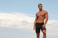 Uomo atletico immagine stock