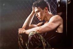 Uomo atletico dopo l'allenamento Fotografia Stock Libera da Diritti