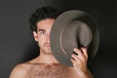 Uomo attraente con il cappello Fotografie Stock Libere da Diritti
