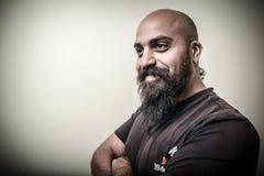 Uomo barbuto sorridente Immagine Stock Libera da Diritti