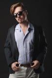 Uomo bello in cappotto Fotografie Stock Libere da Diritti