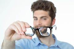 Uomo bello con i vetri Immagini Stock Libere da Diritti