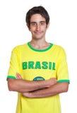 Uomo brasiliano diritto con brevi capelli neri immagini stock libere da diritti