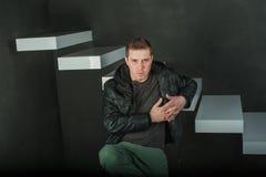 Uomo brutale di fotografia dello studio Immagini Stock Libere da Diritti