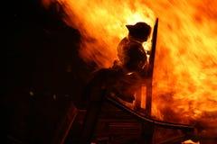 Uomo Burning Fotografie Stock Libere da Diritti