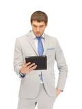 Uomo calmo con il calcolatore del pc del ridurre in pani Immagine Stock Libera da Diritti