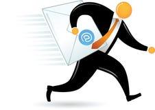 Uomo capo arancione che trasporta email Fotografia Stock Libera da Diritti