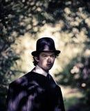 Uomo in cappello di giocatore di bocce. immagine stock libera da diritti