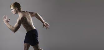 Uomo caucasico muscolare Immagini Stock Libere da Diritti
