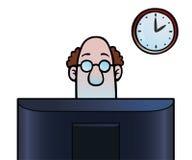 Uomo che esamina schermo di computer Immagine Stock