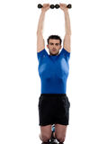 Uomo che fa allenamento con peso Immagine Stock Libera da Diritti