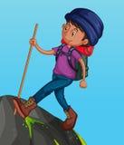 Uomo che fa un'escursione sulla montagna illustrazione vettoriale
